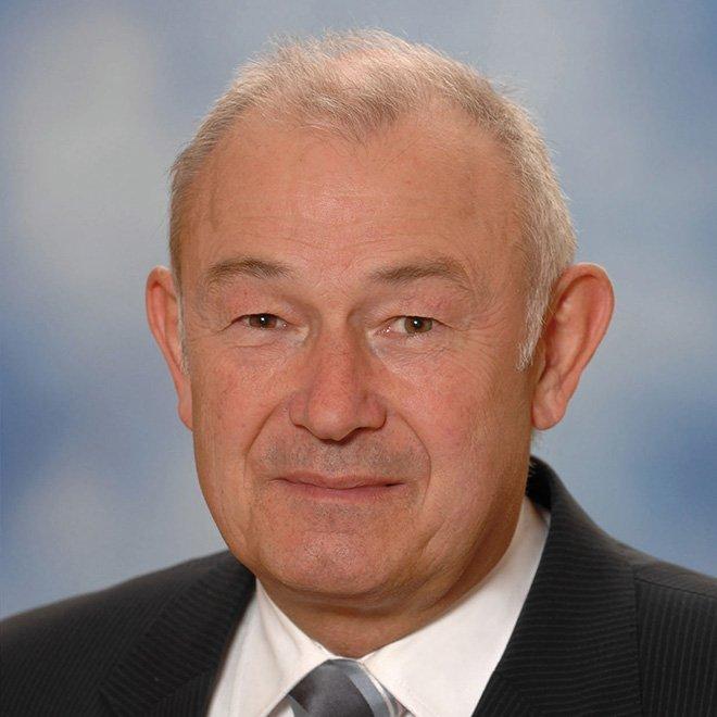Ministerpräsident a.D.<br>Freistaat Bayern